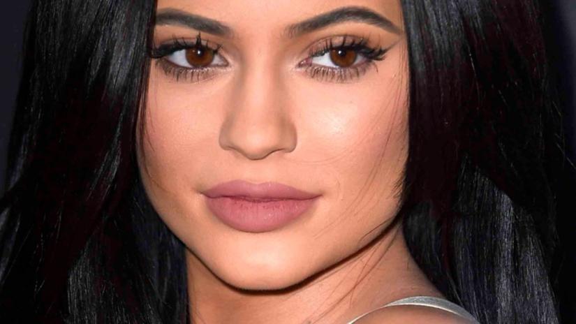 Kylie Jenner cambia el color de cabello y deja en shock a todos