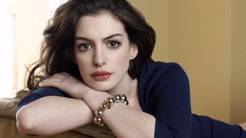 Anne Hathaway: Filtran fotos íntimas al desnudo