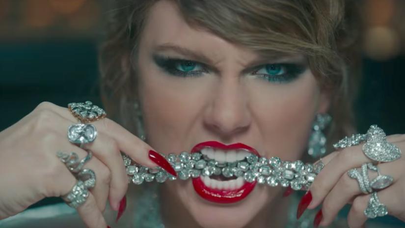 Taylor Swift presentó su nuevo video en los MTV VMAs. Míralo aquí