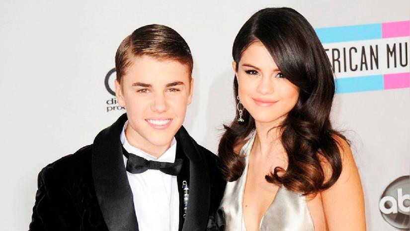Justin Bieber y Selena Gomez oficializan su relación con estas fotos