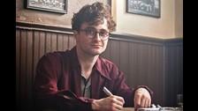 Allen Ginsberg en Kill Your Darlings (2013): Daniel se aventura a interpretar un personaje gay en la piel del poeta Allen Ginsberg, el cual se enamora de su compañero de la universidad Lucien Carr (Dane DeHaan).