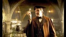Jim Broadbent: Era el profesor Horace Slughorn en Harry Potter y el misterio del Príncipe y Las Reliquias de la Muerte: Parte 2, ha sido uno de los último fichajes de la ficción de HBO. Broadbent interpretará un personaje de 'significativa importancia', tal y como han asegurado fuentes cercanas a la producción.