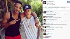 """1- Justin Bieber en 2013  La foto con más likes del año 2013 fue para Justin, quien subió una foto junto a el actor Will Smith que decía """"Yo y el tío Will"""".    Número de likes: 1.5 m"""