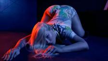 Iggy Azalea presume su trasero en su nuevo videoclip, Mo Bounce