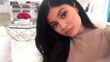 Kylie Jenner alborota las redes sociales con atrevido selfie