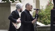 Chester Bennington: El emotivo momento cuando cantó 'Hallelujah' en el funeral de Chris Cornell