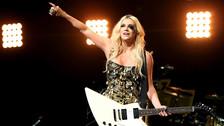 Kesha tuvo que cancelar su concierto en Malasia ya que las autoridades lo consideran como un espectáculo corrupto y sobre todo en contra de la ley.