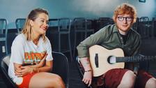 Ed Sheeran y Rita Ora hacen acústico de 'Your Song' en un nuevo vídeo