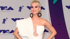 Katy Perry comparte foto cuando tenía 13 y alborota las redes sociales