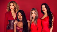 """Fifth Harmony y Pitbull suben la temperatura con el video de """"Por Favor"""""""