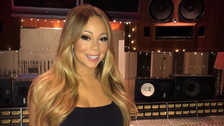El día que Mariah Carey se sentó en una silla invisible (video)