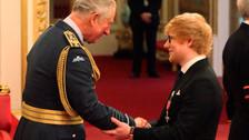 Ed Sheeran criticado luego de romper protocolo con el Príncipe Carlos de Inglaterra