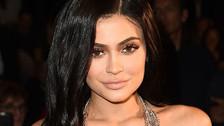 Kylie Jenner es captada con una enorme barriga de embarazada