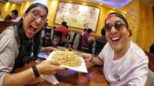 Youtuber El Cholo Mena y Oscar Soto visitaron chifa que fue polémica en redes sociales