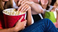 Siete alimentos que puedes llevar al cine