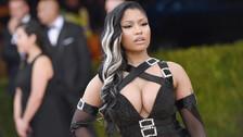 Nicki Minaj usó el look más insólito para asistir a un juego de basquet